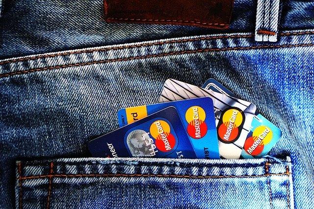 Jak zabezpieczać swoje karty płatnicze?