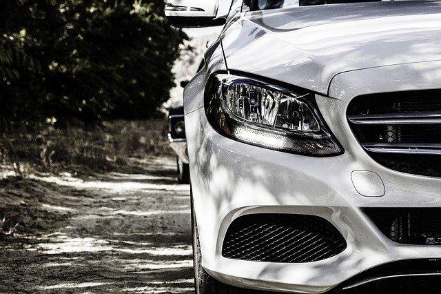 W jaki sposób sfinansować zakup samochodu?